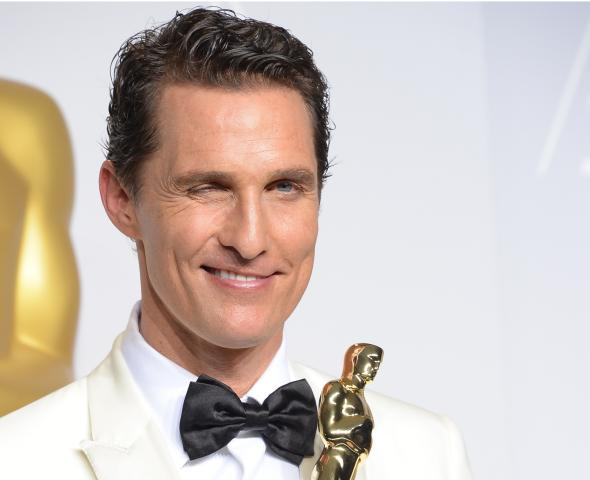 476470529-matthew-mcconaughey-celebrates-in-the-press-room-after.jpg.CROP.promovar-mediumlarge