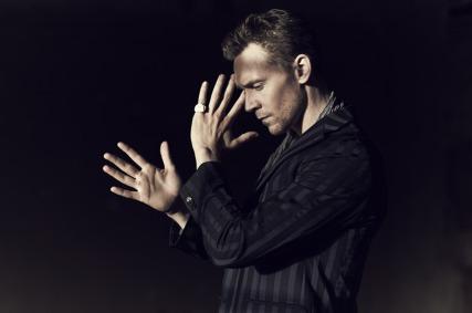 Tom-Hiddleston-tom-hiddleston-34101608-1203-800